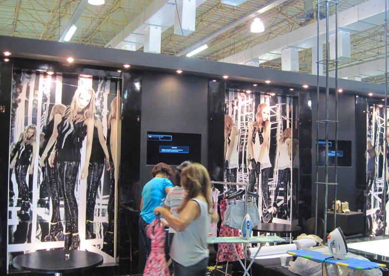 Merchandising   Ambienta    O E Decora    O Para Vitrine De Lojas